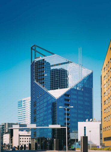 tallinn-estonia-modern-architecture-in-estonian-PK3J8HE.jpg